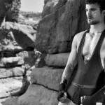 Том Эванс рекламирует эротическое мужское белье