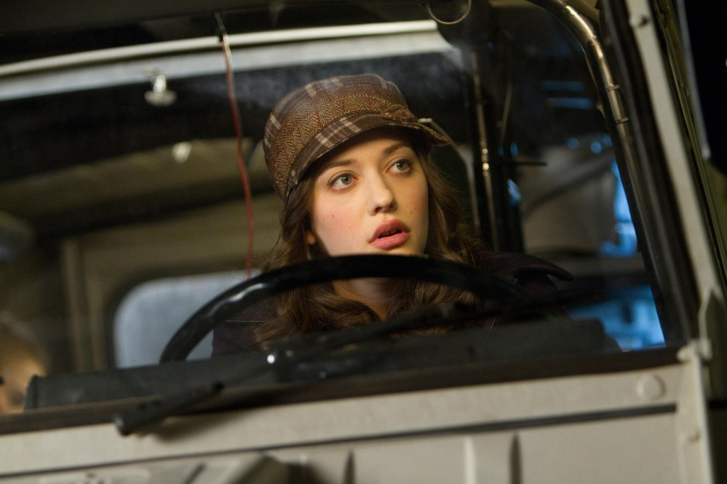 Kat-Dennings-Thor-The-Dark-World-01