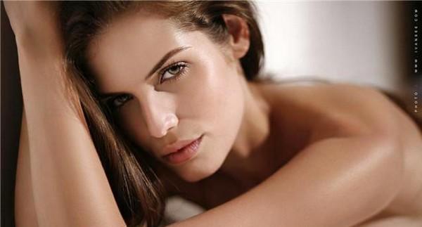 Бразильская модель Luana Mourat