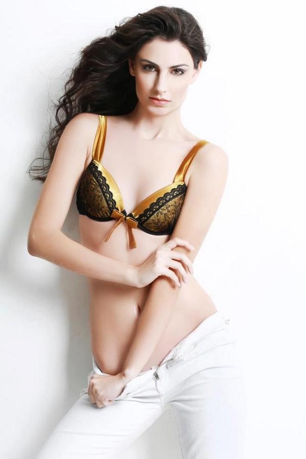 Бразильская девушка-модель