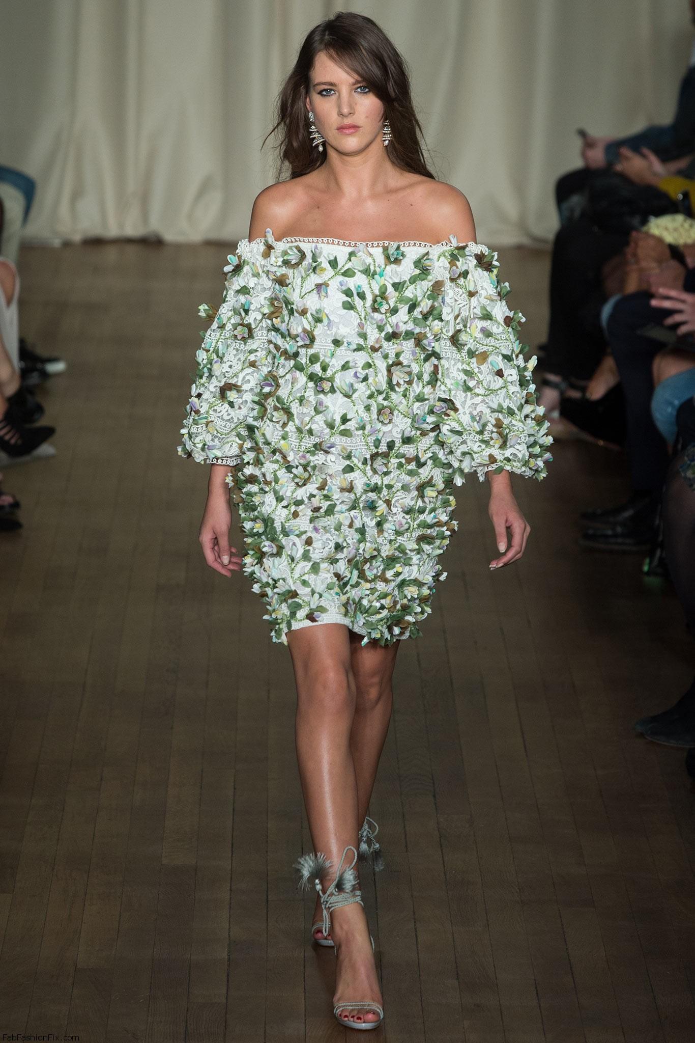 Модели в прозрачных платьях фото
