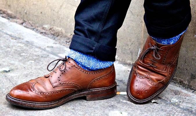 Как подобрать мужские носки под коричневые туфли
