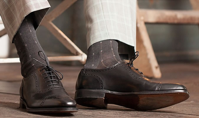 Мужские носки под светлые брюки