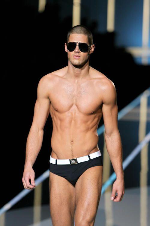 Модель нижнего белья Чад Уайт