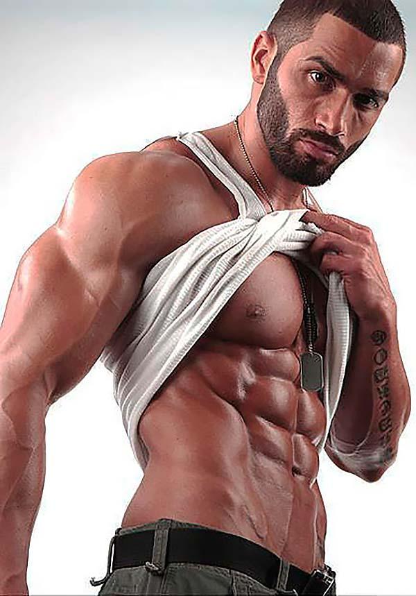 фитнес-модель Лазар Ангелов