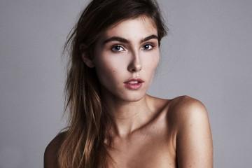 Чарли Мартинес - начинающая французская модель