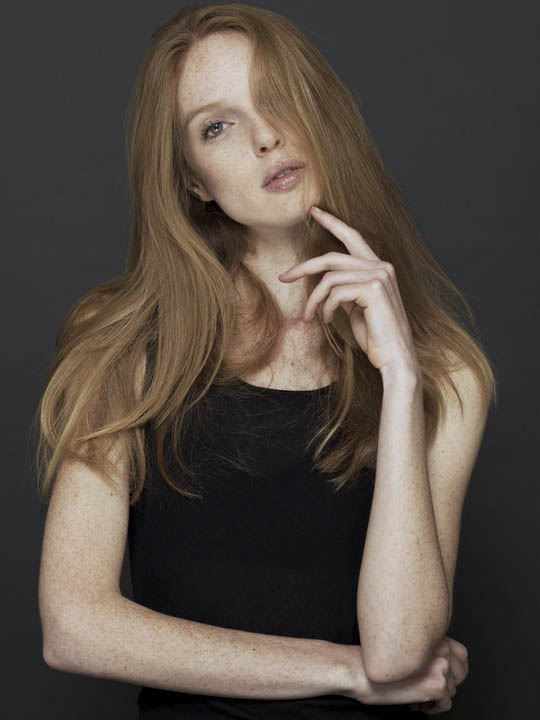 Американская модель Нелл Ребоу