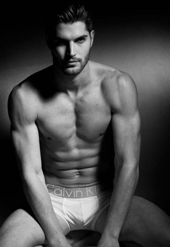 Фото - модель и актер Ник Бейтман