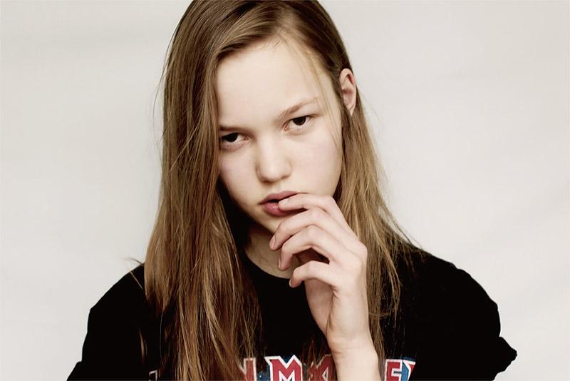 Фото - девушка-модель Нур Чалтин
