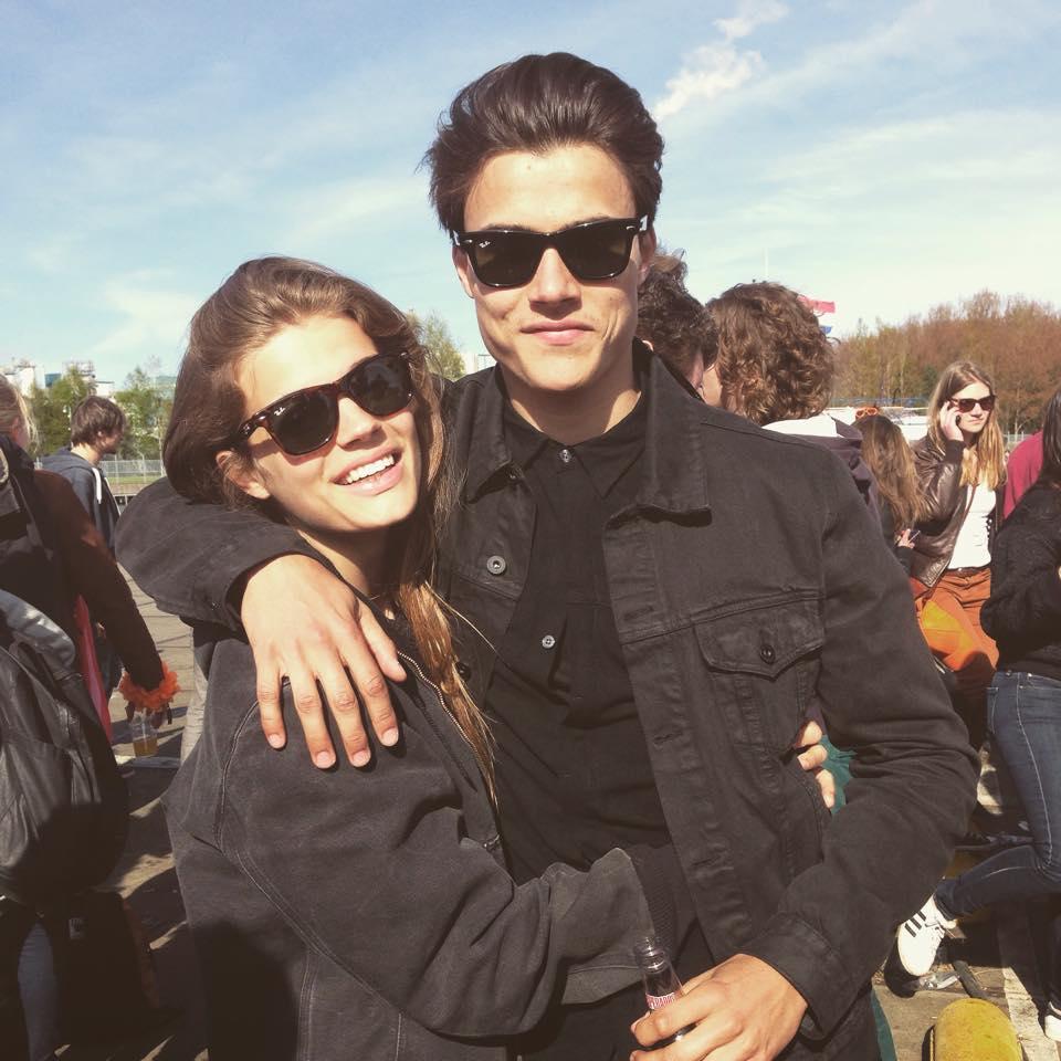 Фото -  Том со своей девушкой Лоис