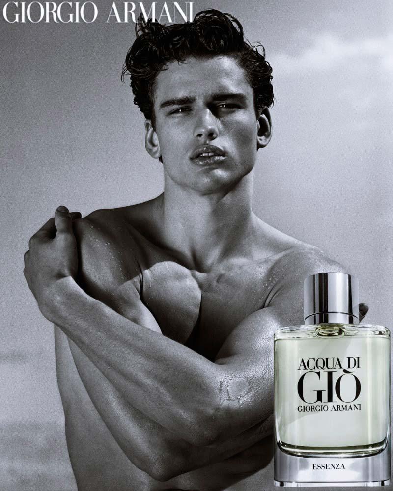 Фото - Simon Nessman в рекламной кампании Giorgio Armani