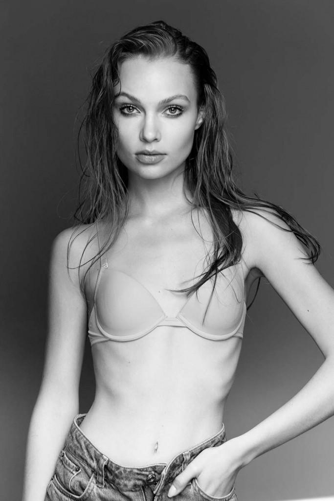 Фото - красивая Модель Виктория Бабская