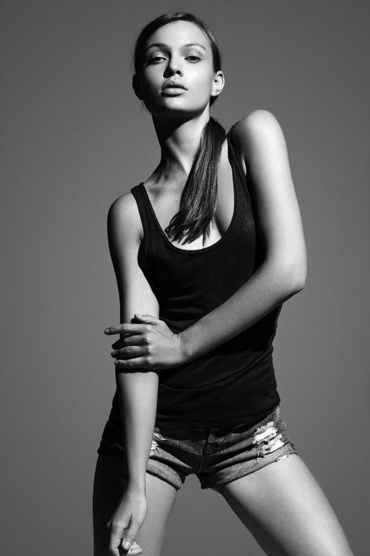 Фото - красивая девушка-модель Виктория Бабская