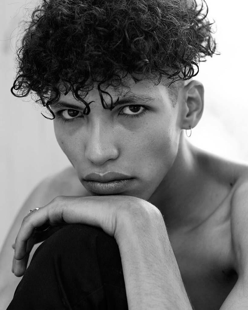 Фото - французская модель Яннис Эль Бозакруи