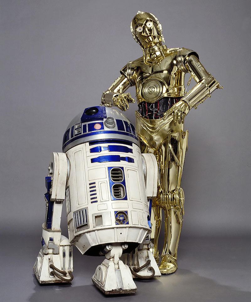 Фото - Дроиды C3PO и R2D2