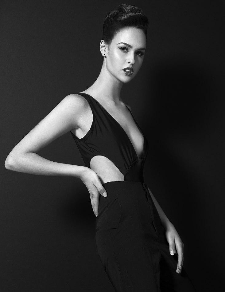 Фото - молодая модель Даника Войчук