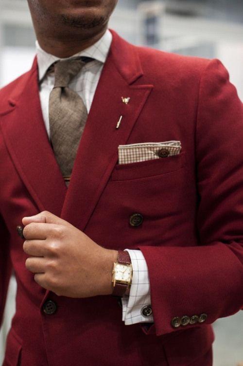 Фото - как сложить нагрудный платок мужского костюма