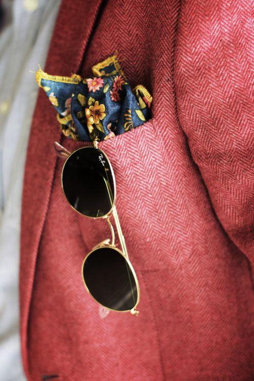 Фото - как сложить платок в карман пиджака