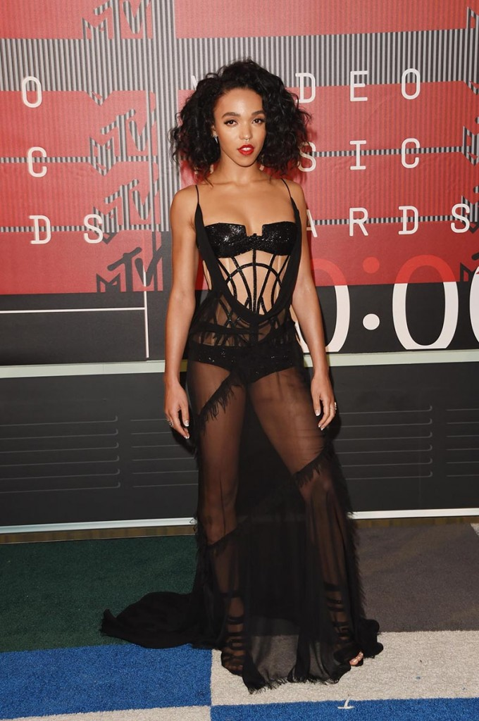 Фото - FKA Twigs на MTV Video Music Awards 2015