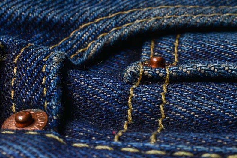 Фото - выбирать следует джинсы из качественного материала