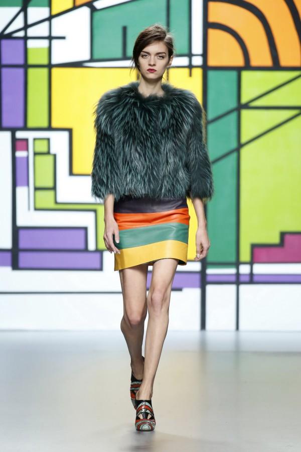Фото - коллекция меховой женской одежды от Miguel Marinero