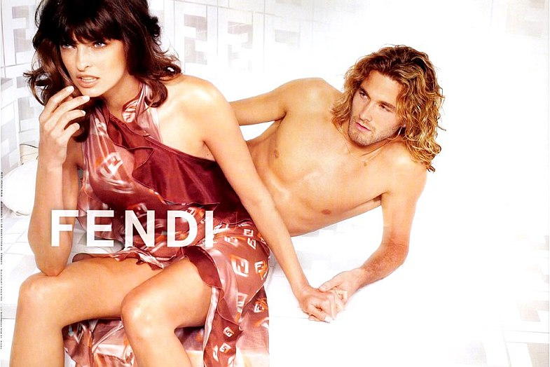 Фото - Брэд в рекламной кампании Fendi