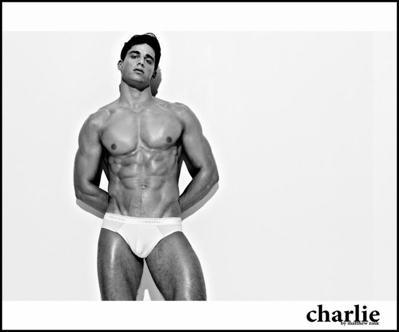 Фото - Пьетро Бозелли в кампании нижнего белья от Charlie