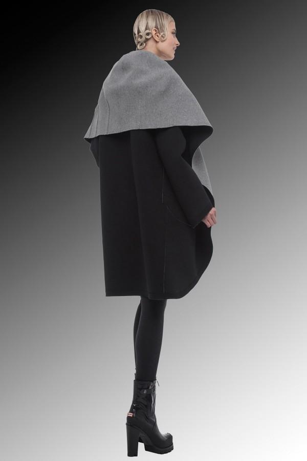 Фото - черное пальто от Norma Kamali