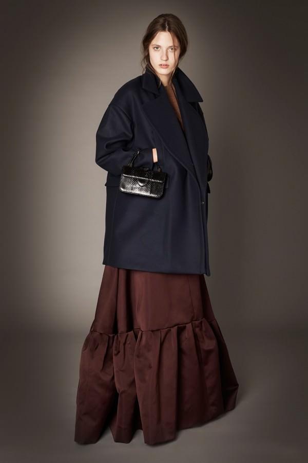 Фото - оверсайз-пальто с пышной юбкой
