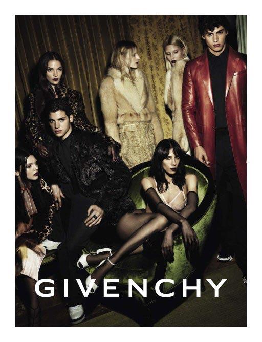 фото - Поцци в кампании Givenchy