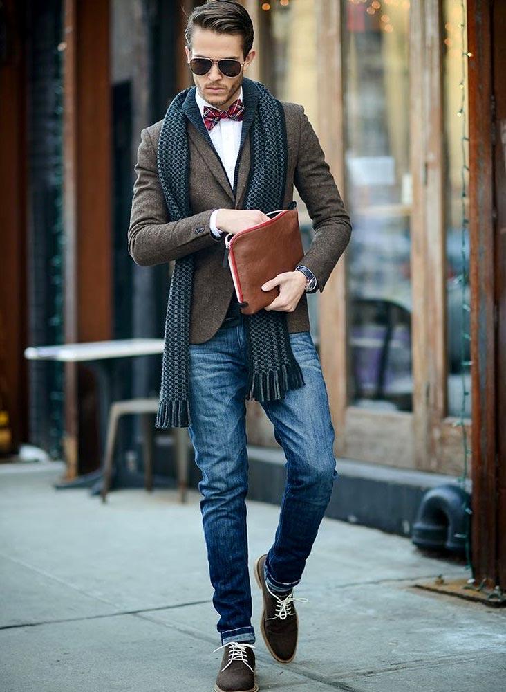 фото - опрятный стиль: коричневые туфли, пиджак и галстук-бабочка