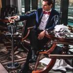фото - мужчина-модель в костюме