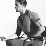 Райан Гослинг в поло-футболке