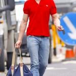 Джейми Дорнан в поло футболке