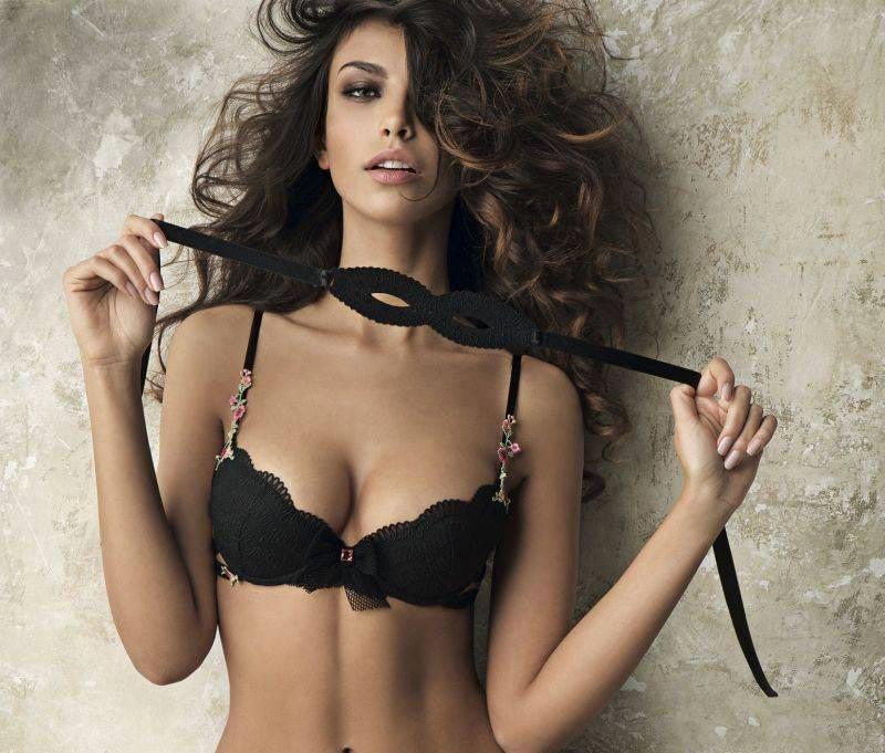 фото - модель и актриса Мадалина Генеа