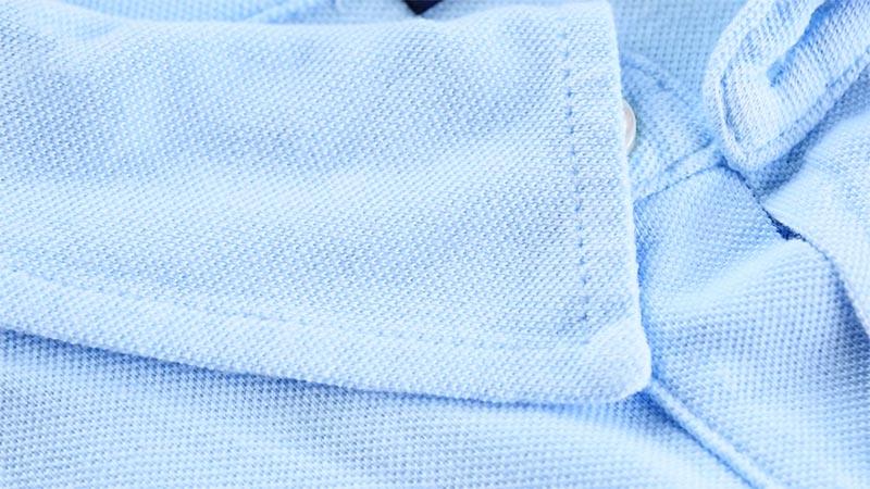 фото - твердый воротник на поло-рубашке