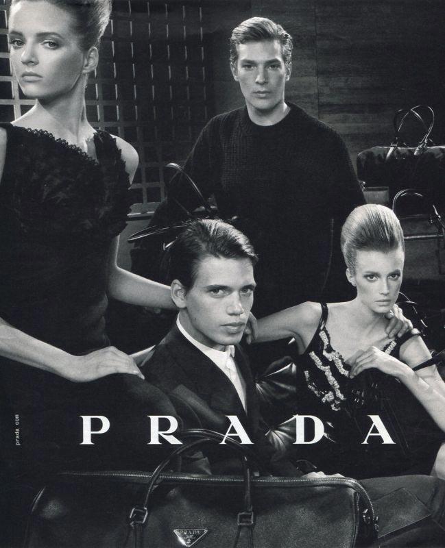 фото - Марк Кокс в кампании Prada