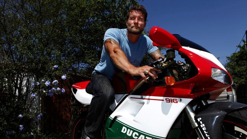 фото - фото Дэмиен Пакер на мотоциуле Ducatti