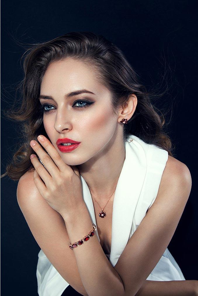 фото - венгерская модель Китти Молнар