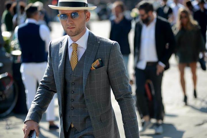 Платок в кармане пиджака очень актуально и стильно