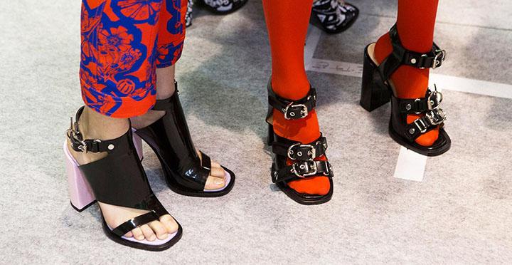 Топ-10 модной женской обуви на весну-лето 2017 фото