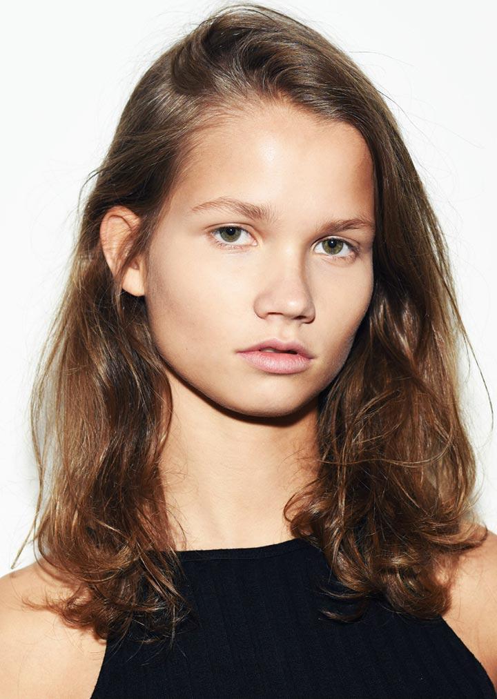 Анук Шоневиль фото нидерландской модели
