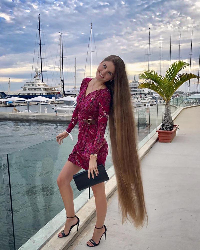 Инга Волкош - обладательница невероятно длинных и красивых волос
