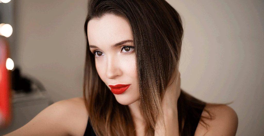 Александра Любимова - фотосессия для Cosmopolitan.